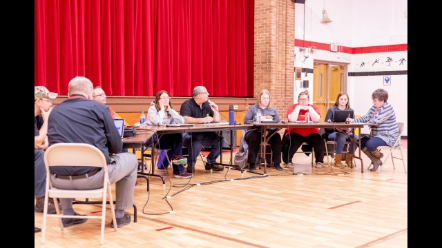 The GFW School Board held a special meeting Monday evening to decide the fate of the Intermediate School Building in Fairfax.