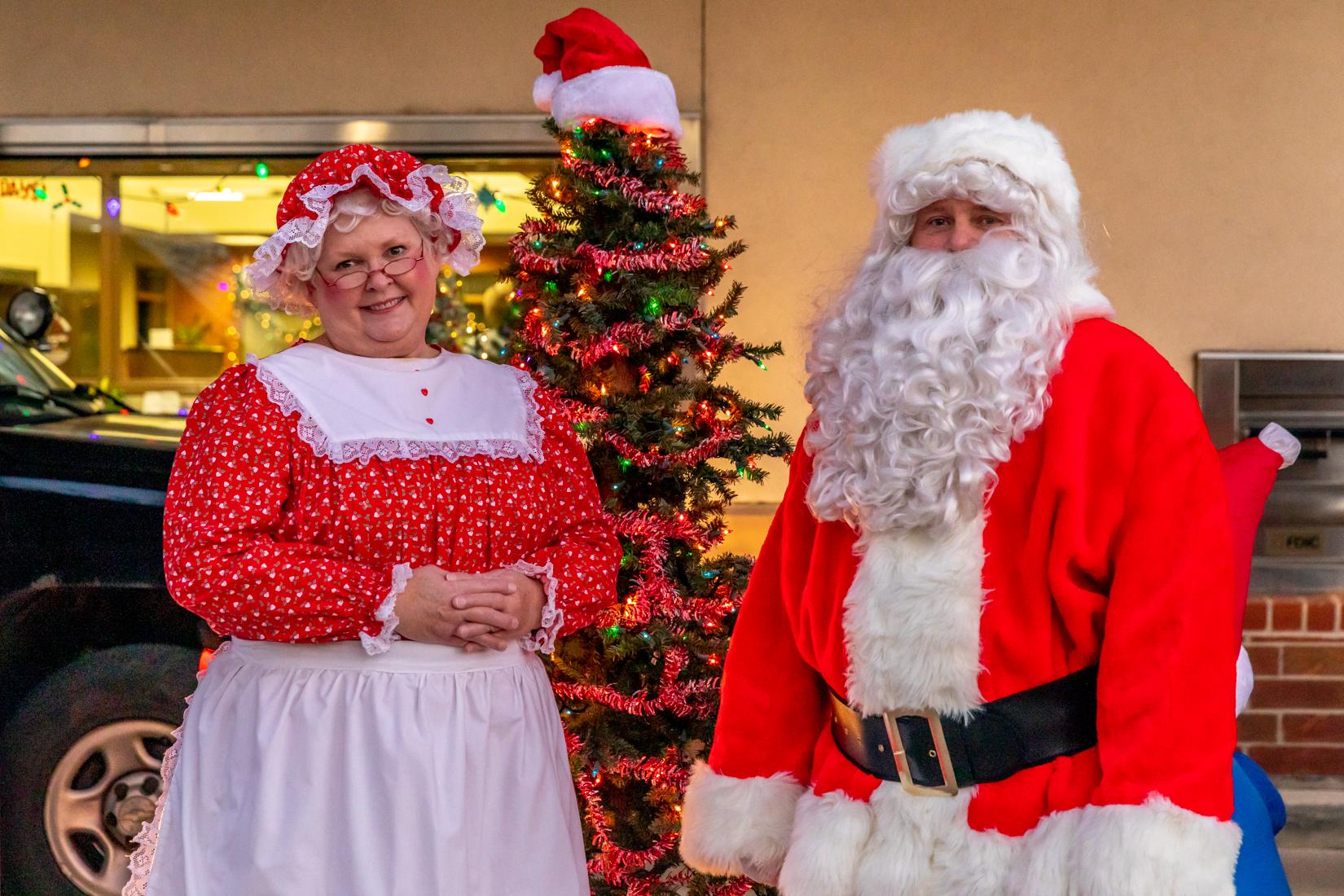 Santa and Mrs. Claus arrive at the bank!